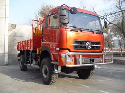dongfeng 4*4 truck with crane